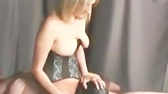 hubby licks semen from wifes pussy
