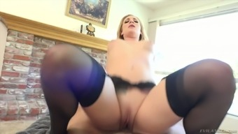 Cum-thirsty milf Dahlia Surroundings gives the best ever blowjob and gets her muff rammed