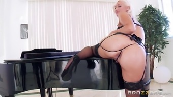 jenna pink wearing topmost panties and displayed her fresh butt