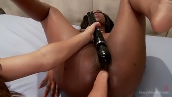 dark skin's surface trudge lisa tiffian has hardcore rectum fisting appointment along with ariel simply by