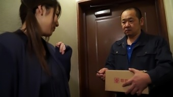 Bored to death partner seduces a deliveryman for getting a sex based experience