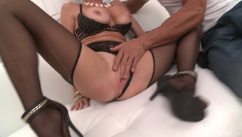 Full-figured MILF Veronica Avluv is obtaining dicked more easily than ever!