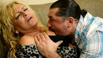 Old whore Magdi gives her top and gets rammed challenging