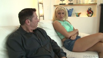 Worthless looking anus of Layla Pricetag is impaled on hard dick
