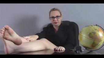 Black Instructor Show Her Beautiful Ft