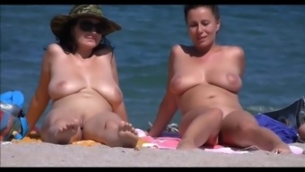 Big tits Milfs On Seaside