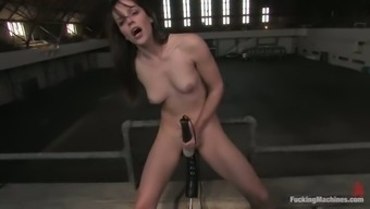 Lively Attractive Blond Bobbi Starr Cums to the Fucking Equipment