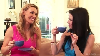 Tanya Tate and Veronica Avluv enroll in a attractive lesbian and get a sex game