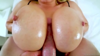Excellent bosomy sexpot Olivia Austin gets caught along with supplying stud titfuck