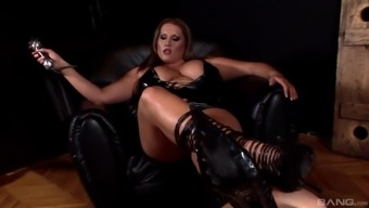 Hot lesbian BDSM appointment along with stunning blond Laura M