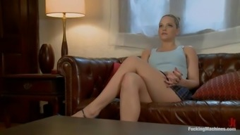 Alexis Texas gets stunningly fucked to orgasm using a sexual intercourse machine