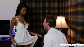 Affectionate ebony lover Nia Nacci thirsts to be fucked when date