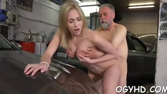 Olf pass gas fucks mouth associated with a little lady