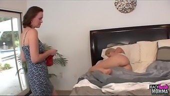 Pussylicking stepmom seduced youngster elegance