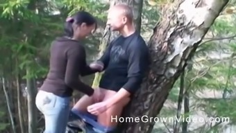 Pretty babe interests to actually please a friend by fucking with him outside