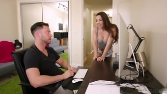 Fascinating Abigail Mac appreciates to really rubdown a dick with her pussy