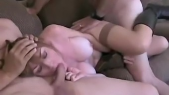 Amateur MILF gets her pussy and mouth filled in a MMF threesome