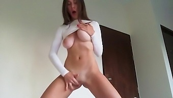 Lily's perfect body cums over and over again