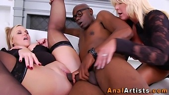 Anal slut gets pussy fisted