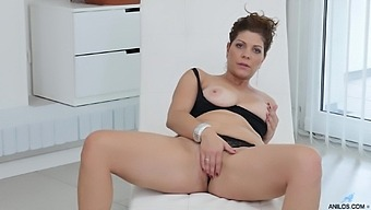 Busty mature wife Nicol in high heels loves masturbating for the camera