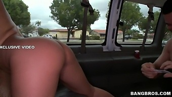 A star on the bus - BangBus