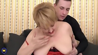 Curvy Mature Wife Cheating With Boy