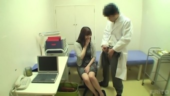 Shy Japanese people krown is heated and her health professional seems to seduce her