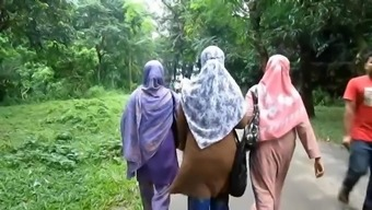 Cross into Bangladesh for western males