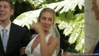 Nicole Aniston slash on top of her fiance for the wedding ceremony