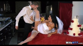 Bride will get a Excess weight Cock