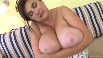 Lick stripping BBW slut gets out her products and contributes