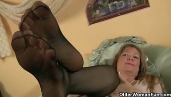 Mother treasures how you feel of plastic on the tingling pussy