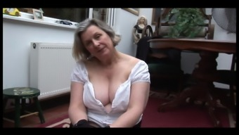 Curvy granny in stockingsshowing off fuzzy pussy