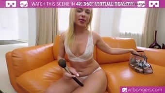 VR PORN-Teen Vinna Reed Have in their hands An important Mirrors Dildo