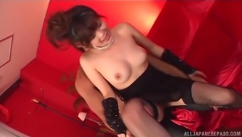 Japanese darling Shanghai Yuki does dirty aspects for a chew of sperm