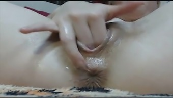 Camgirl Squirt, Fisting and Prolapse
