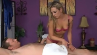 Bailey White Gives a cheerful Ending Rubdown