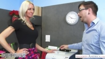 MILF Emma Starr seduces her associate - Kinky Office - Naughty America