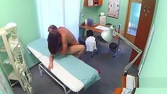 Slut amateur fucked after doctor exam
